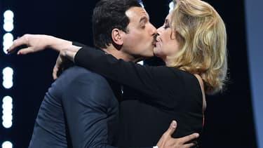 Laurent Lafitte et Catherine Deneuve, lors de la cérémonie d'ouverture du festival de Cannes, le 11 mai 2016.