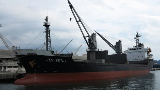 Le cargo nord-coréen Jin Teng le port de Subic, au nord-est de la capitale Manille, le 4 mars 2016