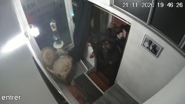 Les images de vidéosurveillance montrant l'interpellation violente