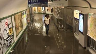 Une vingtaine de stations de métro ont été inondées dimanche soir.