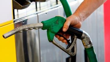 Sur les 15 premiers jours de mai, la baisse du brut aurait pu entrainer une baisse de 6 centimes du prix du gazole ; or il n'a baissé que de 3 centimes.