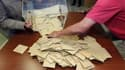 Le Conseil constitutionnel propose d'harmoniser l'horaire de clôture des bureaux de vote en France métropolitaine pour éviter la diffusion prématurée de résultats partiels, sujet qui a fait polémique pendant la campagne présidentielle. /Photo prise le 10