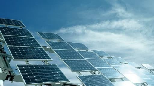 Pour soutenir la filière solaire française, malmenée par la concurrence chinoise , le gouvernement veut mettre en place une bonification des tarifs de rachats de l'électricité.