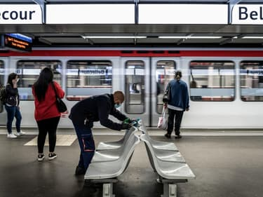 Opération de nettoyage dans le métro lyonnais avant le déconfinement