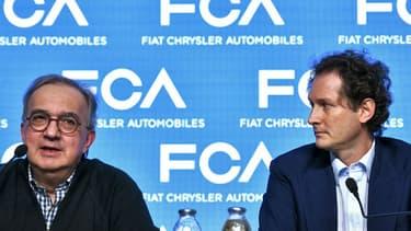 Sergio Marchionne (à gauche), l'homme-clé de Fiat, Ferrari et CNH Indistrial, et John Elkann.
