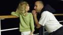La petite Cindy avec François Boyer, son « père d'accueil ». La fillette sera définitivement placée dans une nouvelle famille vendredi, pour cause d'attachement trop fort.