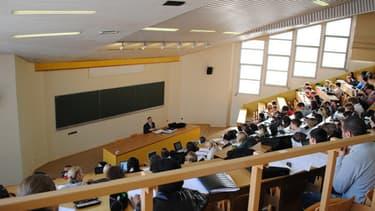 Les Français espèrent majoritairement envoyer leurs enfants à l'université.