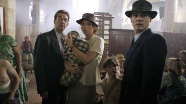 """La série """"Un village français"""" a été tournée dans un format américanisé mais dans un style typiquement français qui franchit les frontières avec succès."""