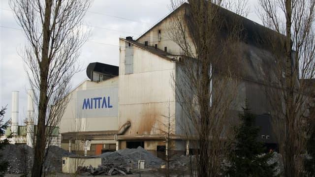 Deux ouvriers sont morts ensevelis mercredi dans les décombres d'un bâtiment qu'ils s'employaient à démanteler sur le site ArcelorMittal de Gandrange (Moselle). /Photo d'archives/REUTERS/Vincent Kessler