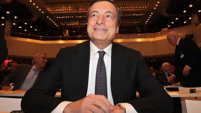 Les annonces spectaculaires de la BCE jeudi ont été l'occasion de mouvements d'une violence rarement vue. On est passés d'une hausse de 3,3% du CAC40 à une clôture en baisse de 1,7%!