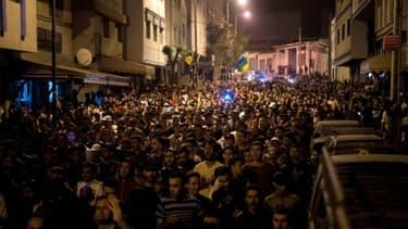 Des manifestants protestent contre la corruption et le chômage à Al-Hoceïma dans la région du Rif, dans le nord du Maroc, le 28 mai 2017