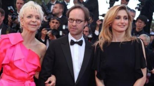 Le président du CNC Eric Garandeau au festival de Cannes entouré de Tonie Marshall et Julie Gayet
