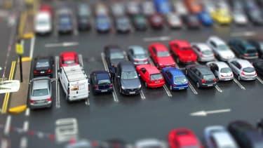 Les places de stationnement sont devenues trop étroites pour des voitures comme les SUV, c'est le constat d'un assureur en Grande-Bretagne.