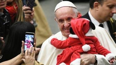 """""""Noël c'est préférer la voix silencieuse de Dieu aux vacarmes du consumérisme""""."""