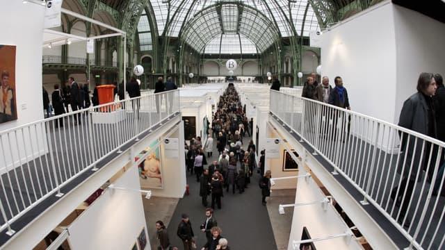 Les oeuvres de 1.451 artistes sont exposées au Grand Palais, à Paris.