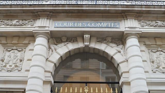 Entrée de la Cour des comptes.
