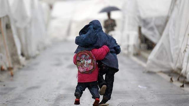 """Réfugiés syriens dans le camp de Boynuyogun, en Turquie, près de la frontière avec la Syrie, en février dernier. Alors que la France organise une réunion des pays du groupe des """"Amis de la Syrie"""", Nicolas Sarkozy a réclamé jeudi matin la création de """"coul"""