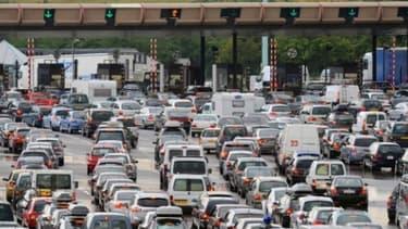 Les péages ont fait augmenter les dépenses des automobilistes en 2013, contrairement au prix d'achat des voitures.