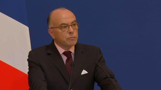 """Le ministre de l'Intérieur Bernard Cazeneuve a annoncé l'interdiction de la vente d'alcool dans les """"zones sensibles"""" durant l'Euro 2016."""