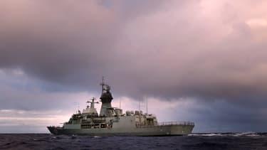 Un navire australien participe aux recherches du vol MH370, dans le sud de l'océan Indien, le 13 avril.
