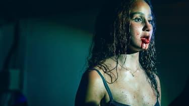 """Oulaya Amamra dans """"Vampires"""""""