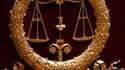 Une résolution signée par 126 des 163 procureurs français et rendue publique jeudi appelle le pouvoir exécutif à promouvoir un nouveau statut garantissant leur indépendance, à cinq mois de l'élection présidentielle. /Photo d'archives/REUTERS/Charles Plati
