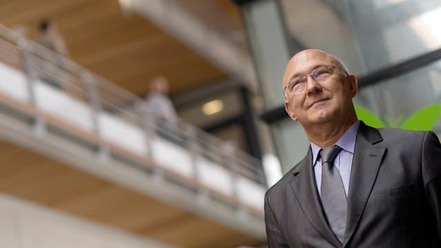 Michel Sapin, ici le 25 octobre 2013 à Bercy, est nommé ministre de l'Economie, des Finances et des Comptes publics