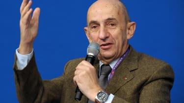 Louis Gallois déplore le manque de syndicalisme en France.