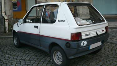 Une Aixam Twin du même type que le véhicule intercepté par les gendarmes sur l'A48.