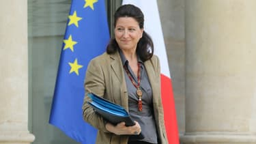 French Minister for Solidarity and Health Agnes Buzyn leaves the Elysee palace following the weekly Cabinet meeting on February 21, 2018 in Paris.