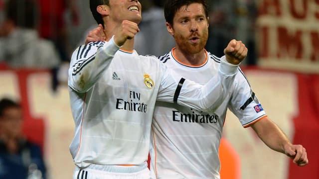 Cristiano Ronaldo et Xabi Alonso