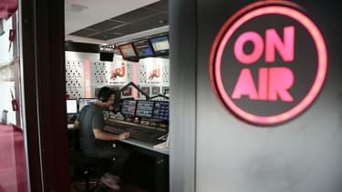 Les radions privées n'appliqueront pas les quotas légaux de chansons francophones