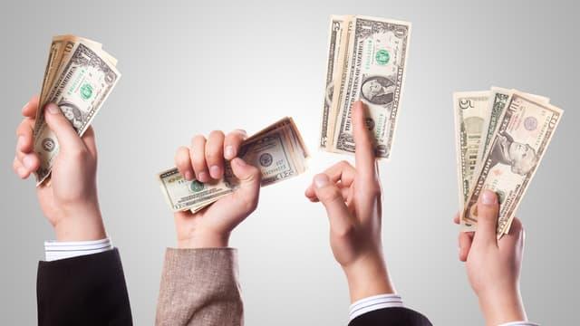 L'algorithme détermine le salaire médian pour un même type de poste.