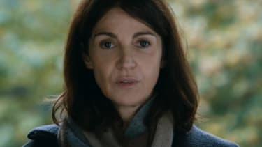 """Zabou Breitman dans le rôle de Ruth Halimi, mère d'Ilan, enlevé, torturé et tué par le """"gang des barbares""""."""