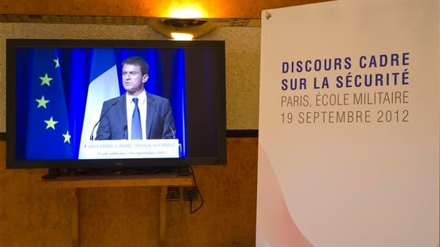 """Lors d'un discours mercredi devant les cadres de la police et de la gendarmerie, le ministre de l'Intérieur Manuel Valls a annoncé l'accélération de la réforme des statistiques de la délinquance et a fait part de sa volonté de mettre fin à la """"culture du"""
