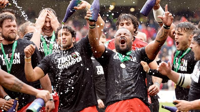 Les joueurs de Toulon fêtent le titre de champion d'Europe