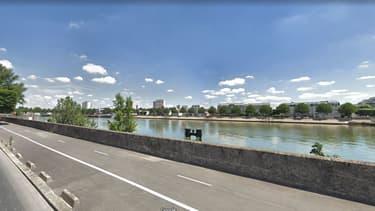Un corps a été repêché quai Jules Guesde à Vitry-sur-Seine.