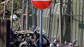 L'Ira-Véritable a revendiqué lundi un attentat à la bombe commis dans la nuit à Holywood, aux abords d'une caserne de l'armée britannique en Irlande du Nord, quelques minutes après le transfert des pouvoirs de police et de justice de Londres à Belfast. Un