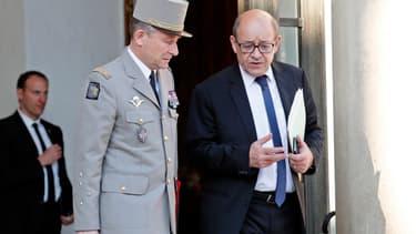Jean-Yves Le Drian, alors ministre de la Défense, et le général de Villiers, en avril 2017.