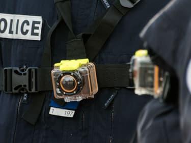 Un policier équipé d'une caméra-piéton.