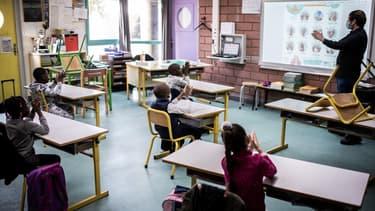 Reprise des cours dans une école de La Courneuve, en Seine-Saint-Denis, le 14 mai 2020