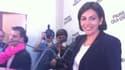 Anne Hidalgo rend hommage à Bertrand Delanoë, à son QG.