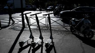 Des trottinettes en libre-service à Paris (photo d'illustration).