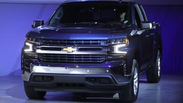 """General Motors (GM) présente une nouvelle génération  """"musclée"""" du pick-up Chevy Silverado 1500."""