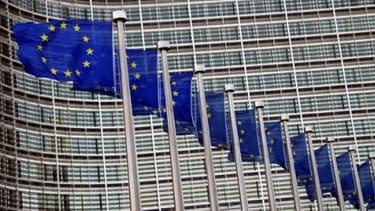 Bruxelles ne prévoit pas, pour le moment , de donner un délai à un Etat-membre pour tenir ses objectifs de déficits en 2013