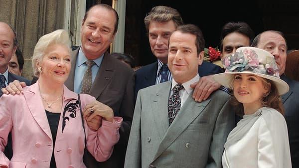 Le mariage de Paul Loup Sulitzer avec Delphine Jacbson, le 24 juin 1993, en présence de Line Renaud, Jacques Chirac et Johnny Hallyday.