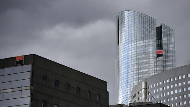 Des bâtiments de la Société Générale à La Défense, où travaillent des traders de la banque.