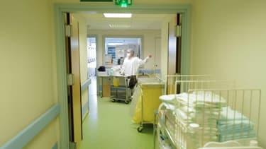 Au service de médecine interne de l'hôpital Emile Muller de Mulhouse, France, le 16 février 2021