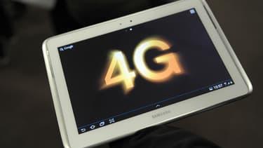 4G signifie quatrième génération pour les types de prestations fournies sur le réseau du téléphone mobile.