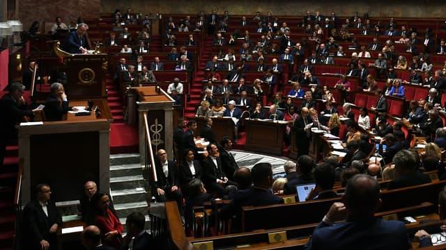 Ce troisième budget du quinquennat doit maintenant être examiné par le Sénat et adopté définitivement d'ici fin décembre